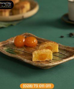 Bánh Brodard giòn tan dừa trứng muối