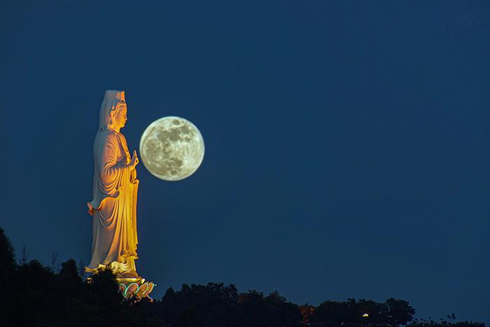 [Bộ sưu tập 2021] Tổng hợp những hình ảnh Mặt Trăng đẹp nhất 20